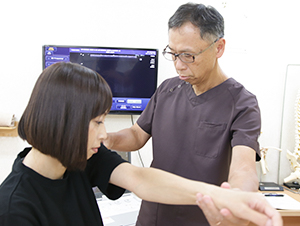 出雲 竹﨑鍼灸整骨院の検査風景